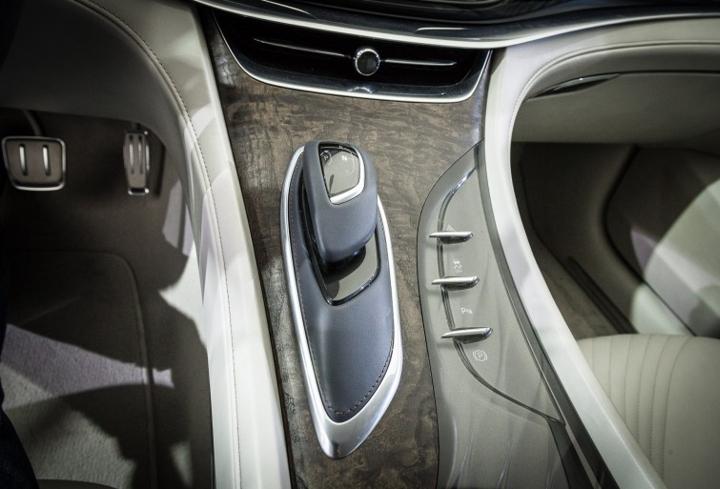 Buick Avenir concept Detroit project 2
